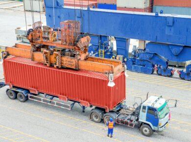 Sortie de marchandise dans le port de la Martinique