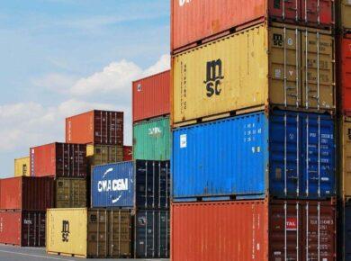 dépôt de conteneur au port d'Abidjan