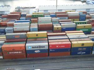stockage de conteneur au port de la Guadeloupe